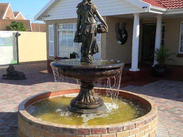 57 Claude, Bluewater Bay, Port Elizabeth - ZAF (photo 1)