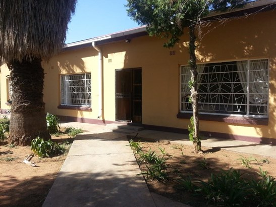 Barkly West - ZAF (photo 1)