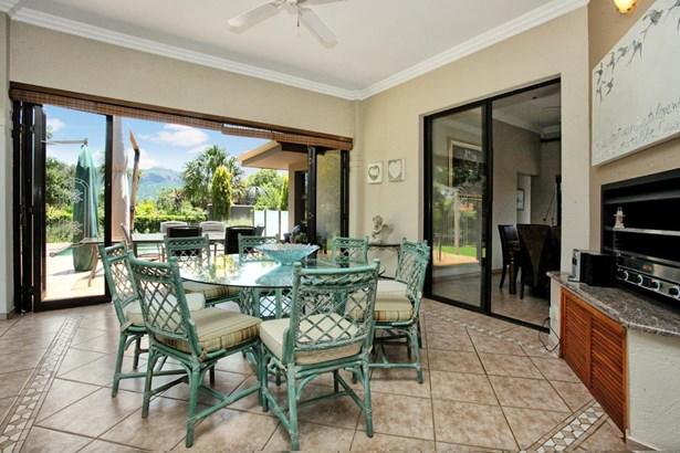 44 Kingfisher, Pecanwood Estate, Hartbeespoort - ZAF (photo 1)
