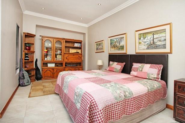 44 Kingfisher, Pecanwood Estate, Hartbeespoort - ZAF (photo 4)