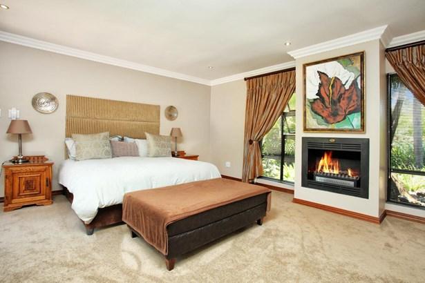 44 Kingfisher, Pecanwood Estate, Hartbeespoort - ZAF (photo 5)