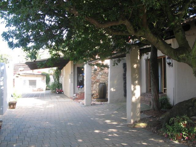 8 Roos , Dawnview, Germiston - ZAF (photo 1)
