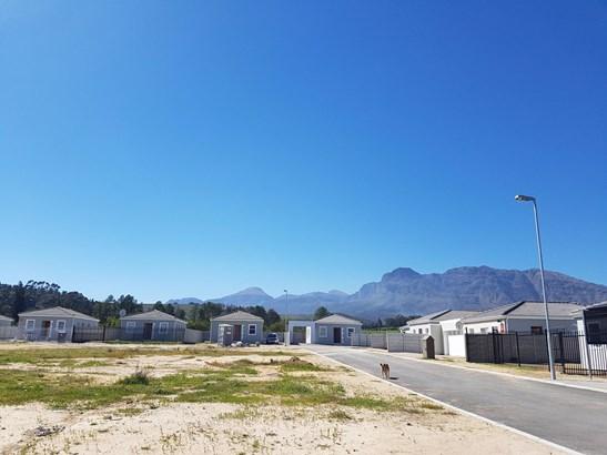 33 Fynbos, Newton, Wellington - ZAF (photo 3)