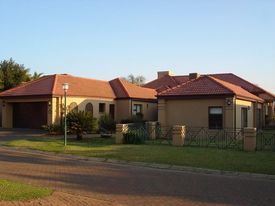 Pecanwood Estate, Hartbeespoort - ZAF (photo 3)
