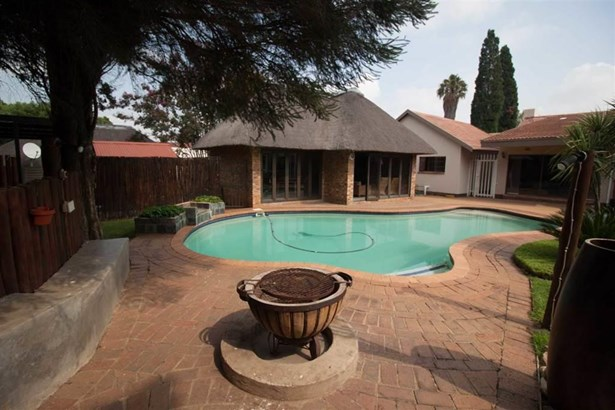 8 Ivy, Brackenhurst, Alberton - ZAF (photo 1)