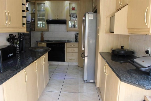 8 Ivy, Brackenhurst, Alberton - ZAF (photo 4)