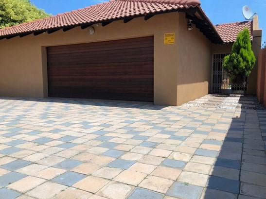 Grimbeeck Park, Potchefstroom - ZAF (photo 1)