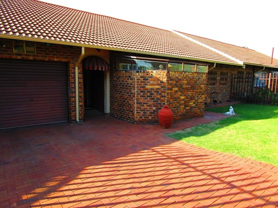 Harmelia, Germiston - ZAF (photo 2)
