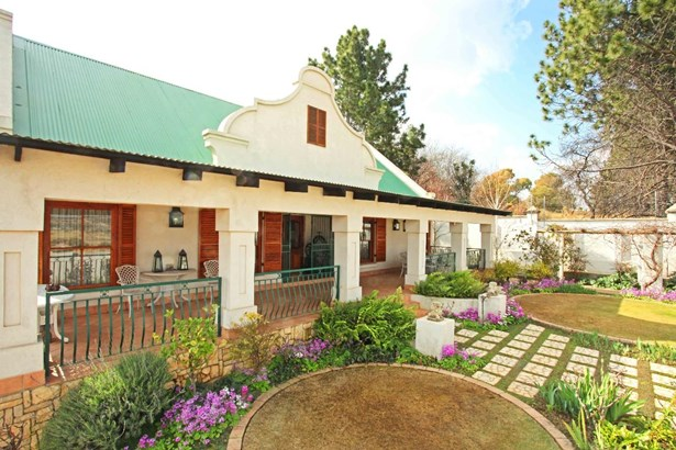 1126 Colonial, Eagle Canyon Golf Estate, Roodepoort - ZAF (photo 1)