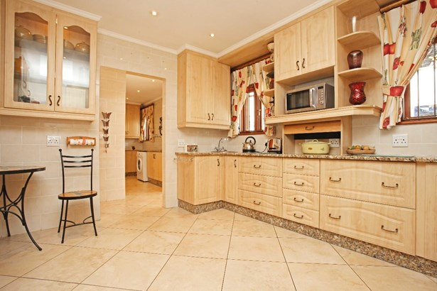 1126 Colonial, Eagle Canyon Golf Estate, Roodepoort - ZAF (photo 5)