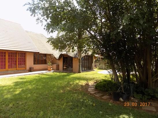 Herlear, Kimberley - ZAF (photo 2)
