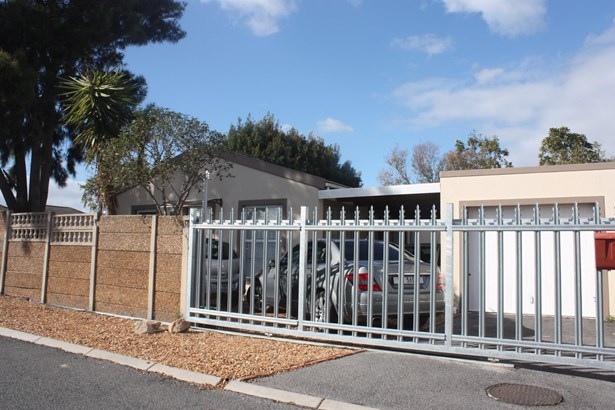 2 Suikerkan, Protea Village, Brackenfell - ZAF (photo 1)