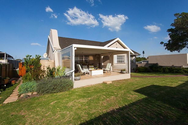 40 Elaine , Mangold Park, Port Elizabeth - ZAF (photo 2)