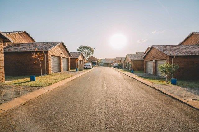Pretoria North, Pretoria - ZAF (photo 1)