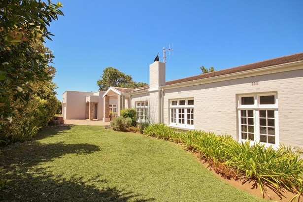 1 Warblers Way, Constantia, Cape Town - ZAF (photo 1)