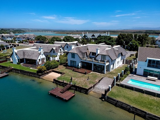 8 Sunset, Canals, St Francis Bay - ZAF (photo 2)