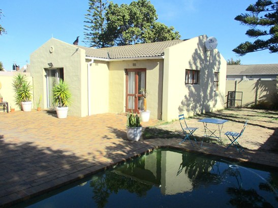 4 Savoye, Edgemead, Goodwood - ZAF (photo 1)
