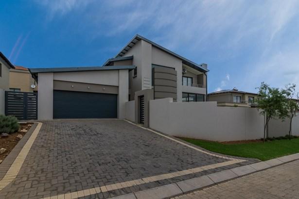 669 Falls, Homes Haven, Krugersdorp - ZAF (photo 1)
