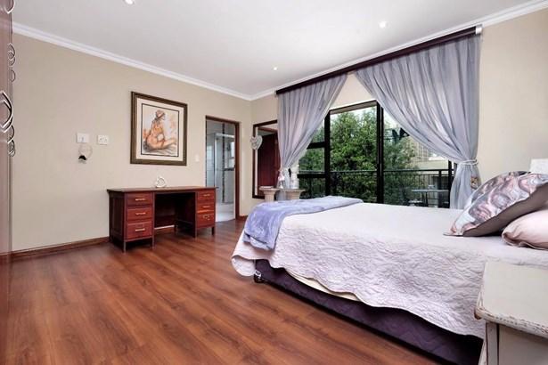 817 Batis, Featherbrooke Estate, Krugersdorp - ZAF (photo 3)