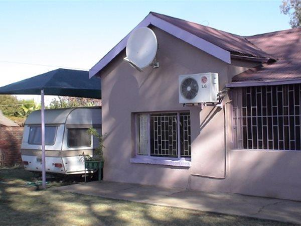 Kuruman - ZAF (photo 3)
