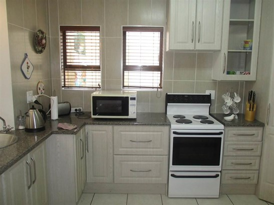 67 Prins Albert, Brackendowns, Alberton - ZAF (photo 3)