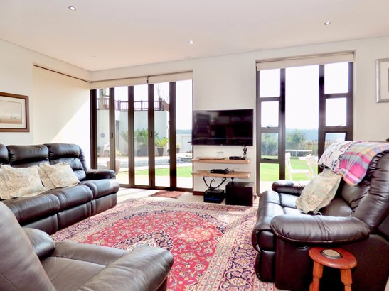 Serengeti Lifestyle Estate, Kempton Park - ZAF (photo 3)