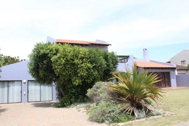 76 Esmerelda, Santareme, St Francis Bay - ZAF (photo 3)