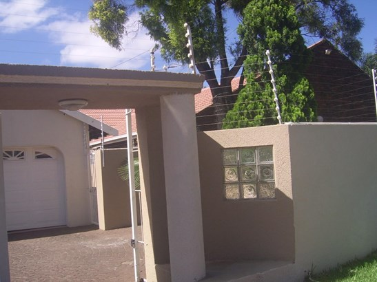 92 Lindeque, Meyersdal Estate, Alberton - ZAF (photo 2)