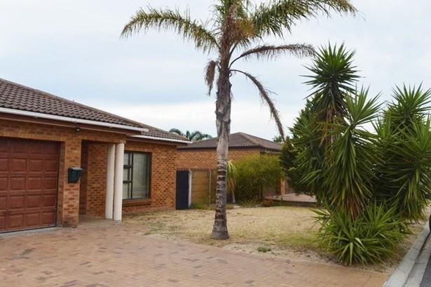 27 Karoobos, De Oude Spruit, Brackenfell - ZAF (photo 1)