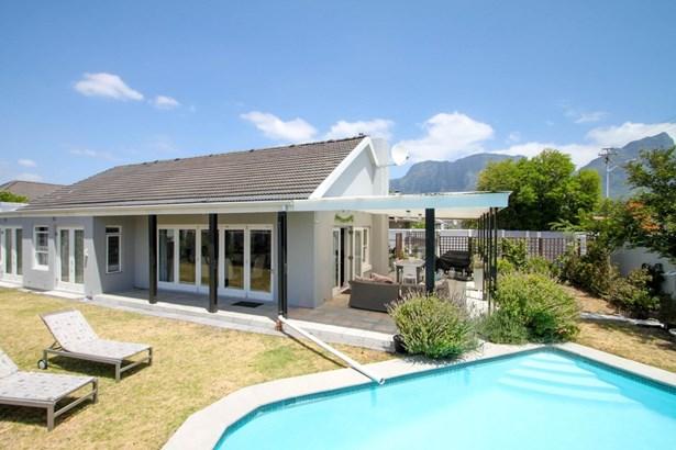 9 Tasman, Claremont, Cape Town - ZAF (photo 1)