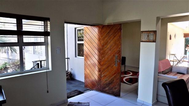 10 Doreen, Glenashley, Durban North - ZAF (photo 3)