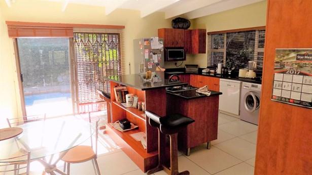 10 Doreen, Glenashley, Durban North - ZAF (photo 4)