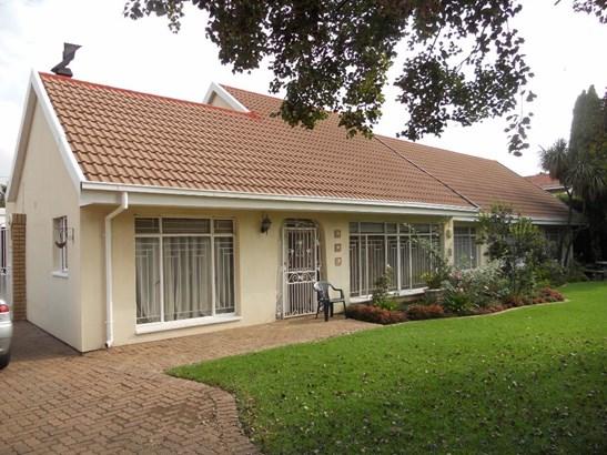 12 Stellenberg, Beyerspark, Boksburg - ZAF (photo 1)