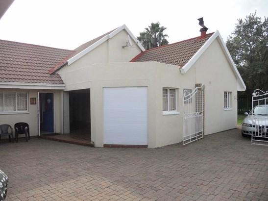 12 Stellenberg, Beyerspark, Boksburg - ZAF (photo 3)
