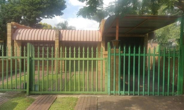 Safari Gardens & Ext, Rustenburg - ZAF (photo 3)