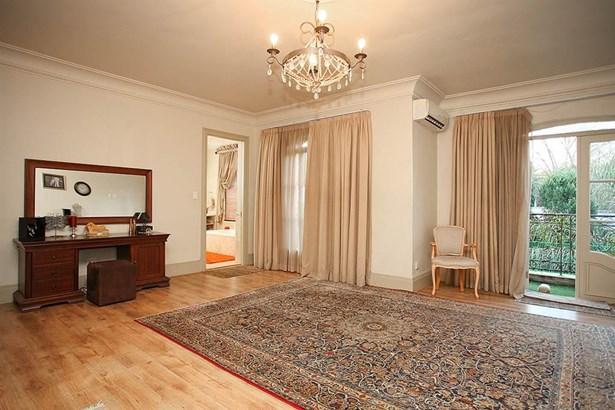67 5th, Houghton Estate, Johannesburg - ZAF (photo 4)