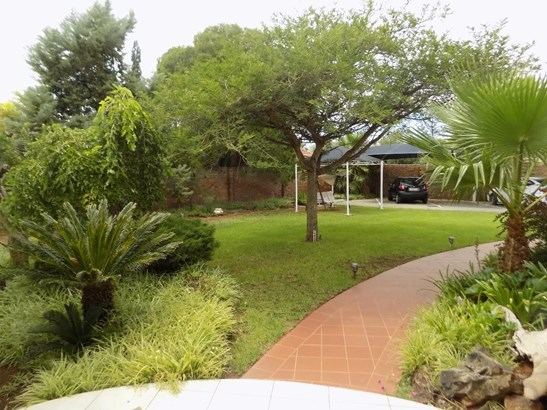 Monument Heights, Kimberley - ZAF (photo 1)