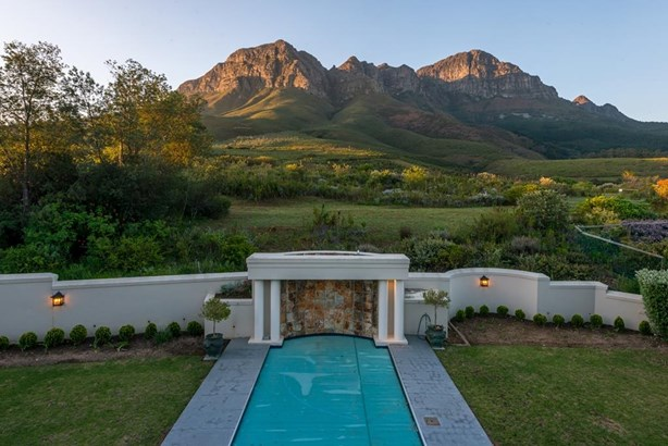 7 Osprey, Erinvale Golf Estate, Somerset West - ZAF (photo 4)