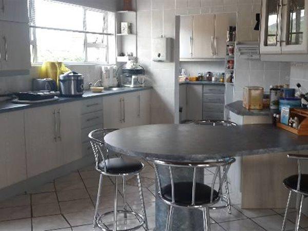 19 Caviare, Beachview, Port Elizabeth - ZAF (photo 2)