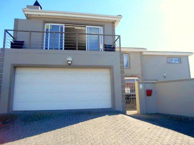 8 Hillcrest, Bluewater Bay, Port Elizabeth - ZAF (photo 1)