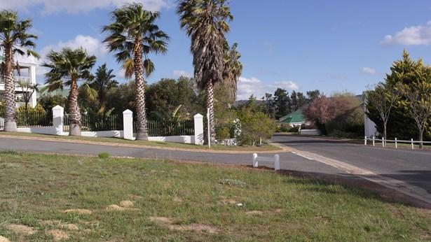35 Theewaterskloof Estate, Villiersdorp - ZAF (photo 2)