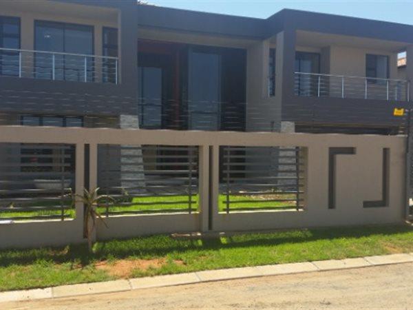 Hadison Park, Kimberley - ZAF (photo 1)