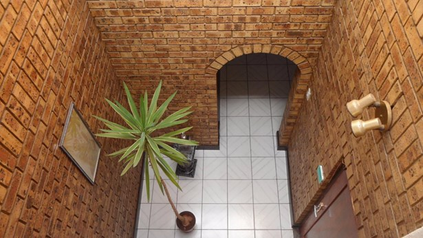 151 Sterre, Eldorado Estate, Soweto - ZAF (photo 2)