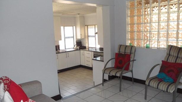 151 Sterre, Eldorado Estate, Soweto - ZAF (photo 4)