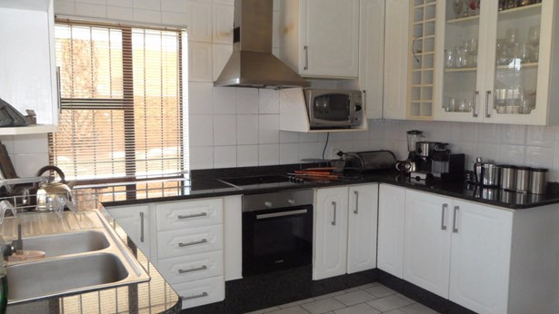151 Sterre, Eldorado Estate, Soweto - ZAF (photo 5)