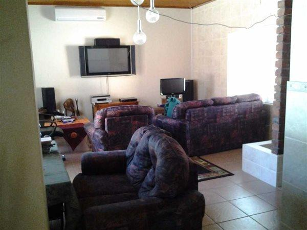 3 Retief, Panorama, Worcester - ZAF (photo 3)