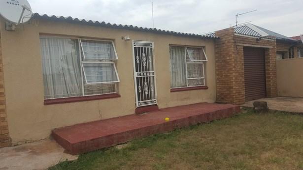 Mofolo Central, Soweto - ZAF (photo 1)