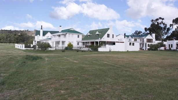 155 Theewaterskloof Estate, Villiersdorp - ZAF (photo 4)