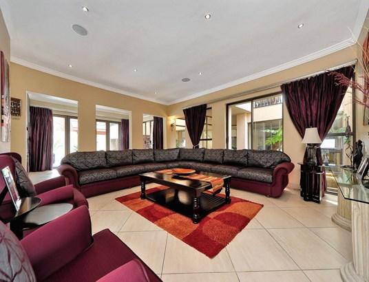 139 Vink Se Nes, Featherbrooke Estate, Krugersdorp - ZAF (photo 5)