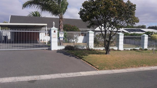 Sonnendal, Parow - ZAF (photo 1)